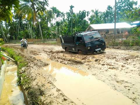 Jalan Pirak Timu Rusak Parah, Pemkab Aceh Utara Terkesan Tutup Mata