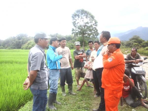 Warga Toba Samosir Gotong Royong Perbaiki Sungai Mandosi