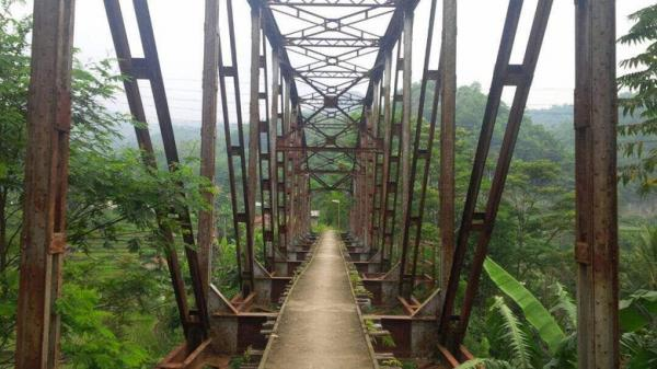 Urai Kemacetan, Rel Kereta Tua Warisan Belanda di Bandung Bakal Dihidupkan
