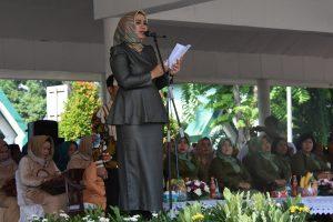 Bupati Karawang, dr. Hj. Cellica Nurrachadiana saat memberikan kata sambutan