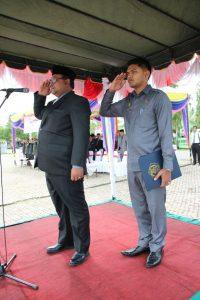 Wakil Bupati Aceh Utara, Fauzi Yusuf saat memimpin upacara memperingati Hari Pahlawan ke-72 di Lapangan serbaguna Lhoksukon
