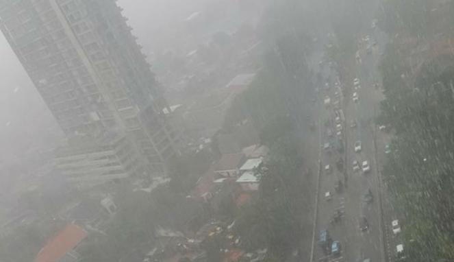 Dua Bus Terlibat Kecelakaan di Km 48 Tol Cikampek Arah Jakarta
