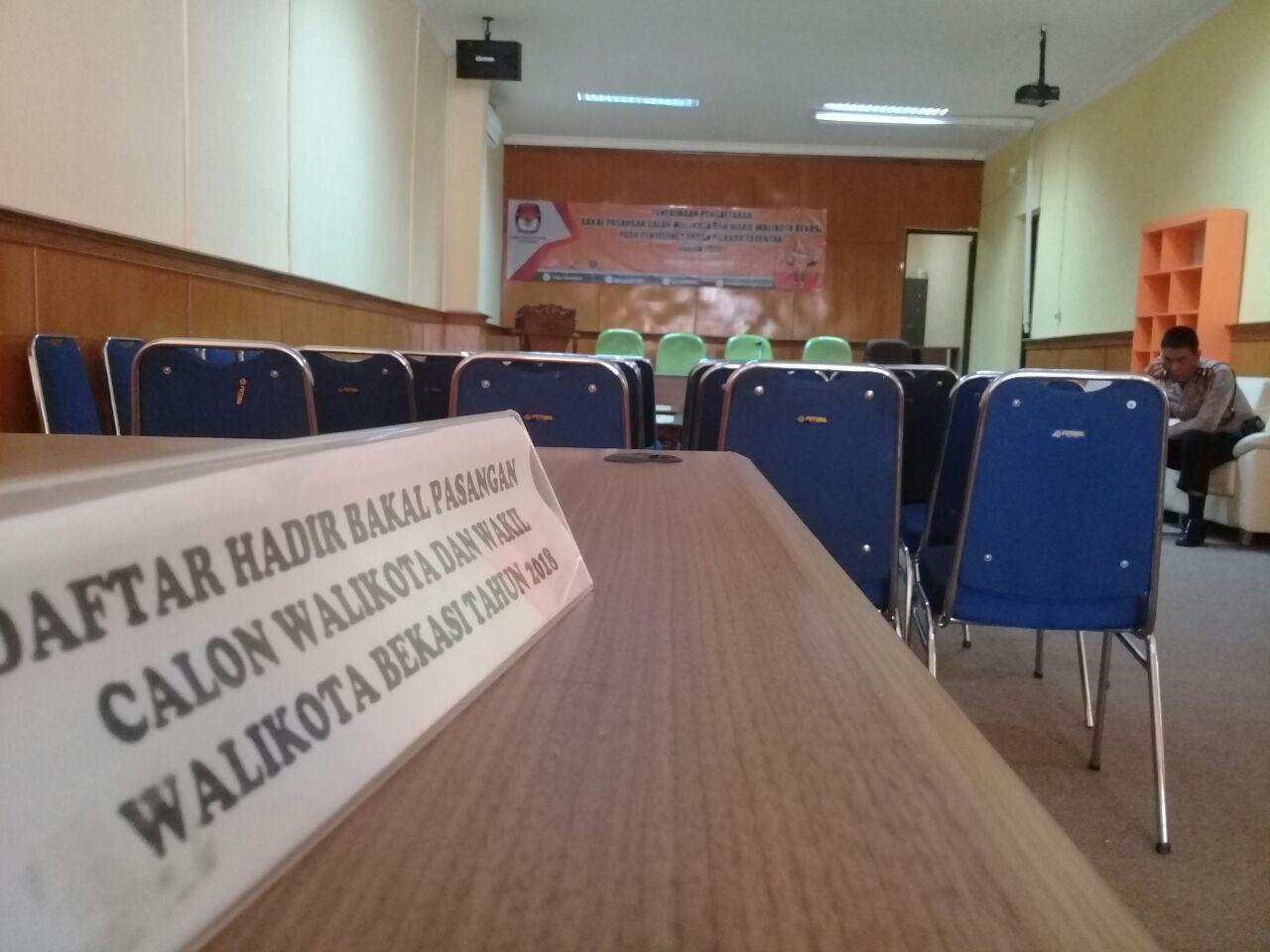 Hari Kedua, Pendaftaran Paslon Hingga Menjelang Siang KPU Kota Bekasi Masih Sepi
