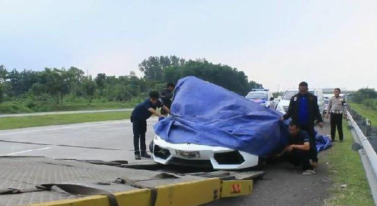 Rombongan Lamborghini Tabrakan Beruntun di Tol Cipali, 4 Mobil Mewah Rusak