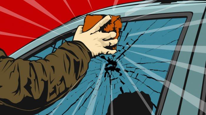 Diduga Tabrak Lari, Massa Rusak Mobil Pinjaman