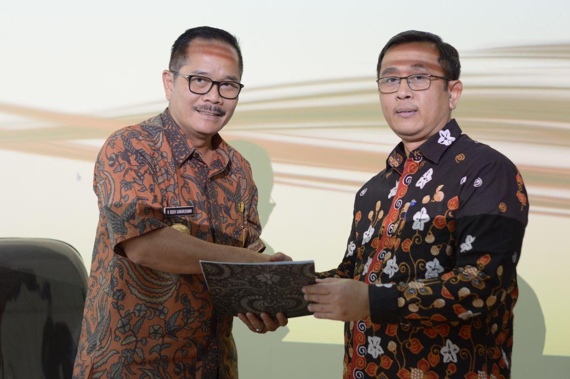 Pj Walikota Bekasi Terima Kunjungan Tim BPK RI Jawa Barat