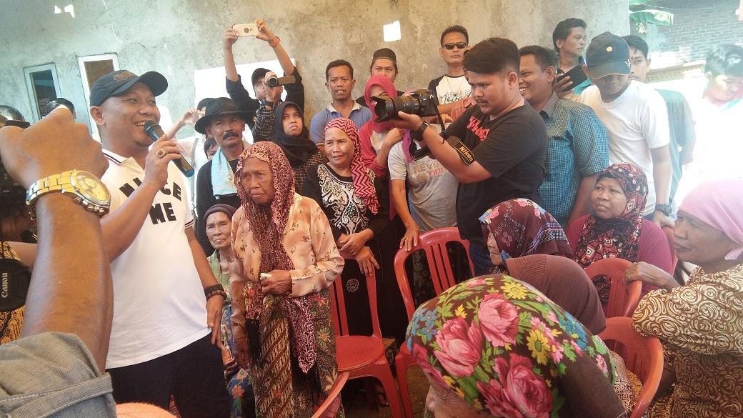 Wakil Bupati Karawang Perbaiki Rumah Nenek Tarkah
