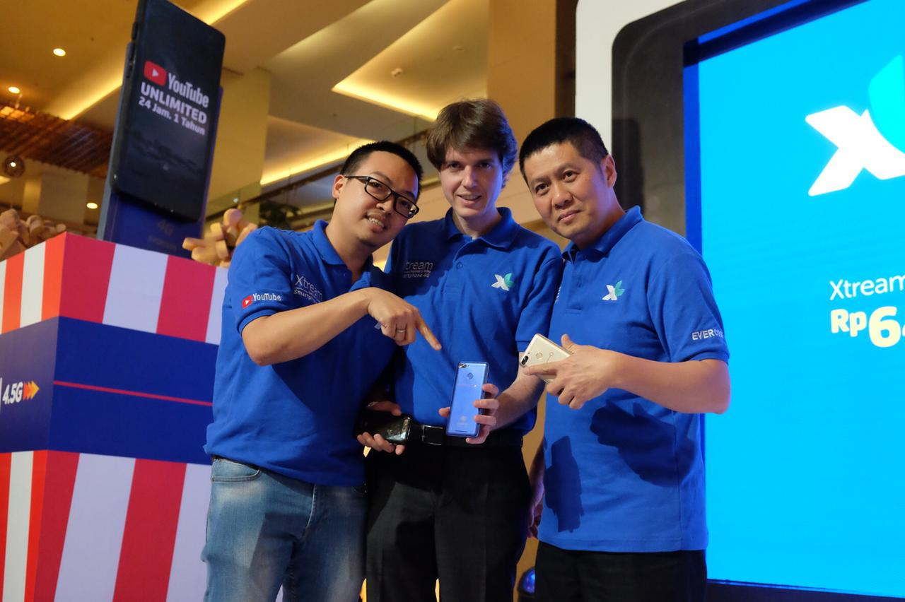 """XL Axiata Luncurkan Smartphone 4G """"XTREAM"""" Akses YouTube Unlimited 24 Jam"""