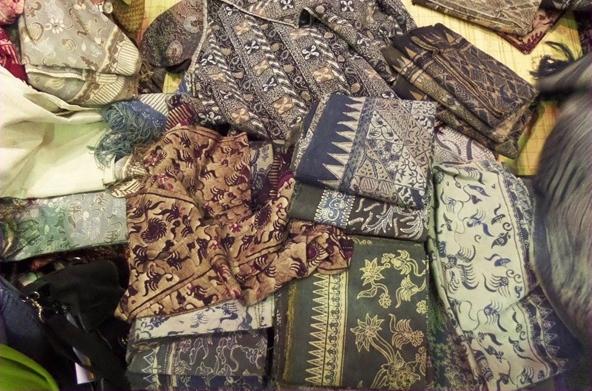 Kemenkop UKM Upayakan Perluas Akses Pemasaran Batik Tenun Gedog