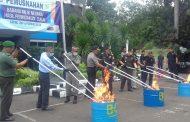 KPPBC Purwakarta Musnahkan BMN Hasil Tembakau dan Minuman Keras Sitaan