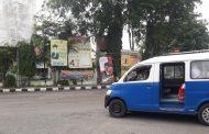 Bawaslu Subang Tertibkan Stiker Caleg dan Capres yang Terpasang di Angkot