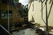 Akibat Kesalahan Teknis Penebangan, MAS Bayu Porak-poranda Tertimpa Pohon