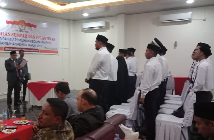 Anggota PPK Tambahan Resmi Dilantik