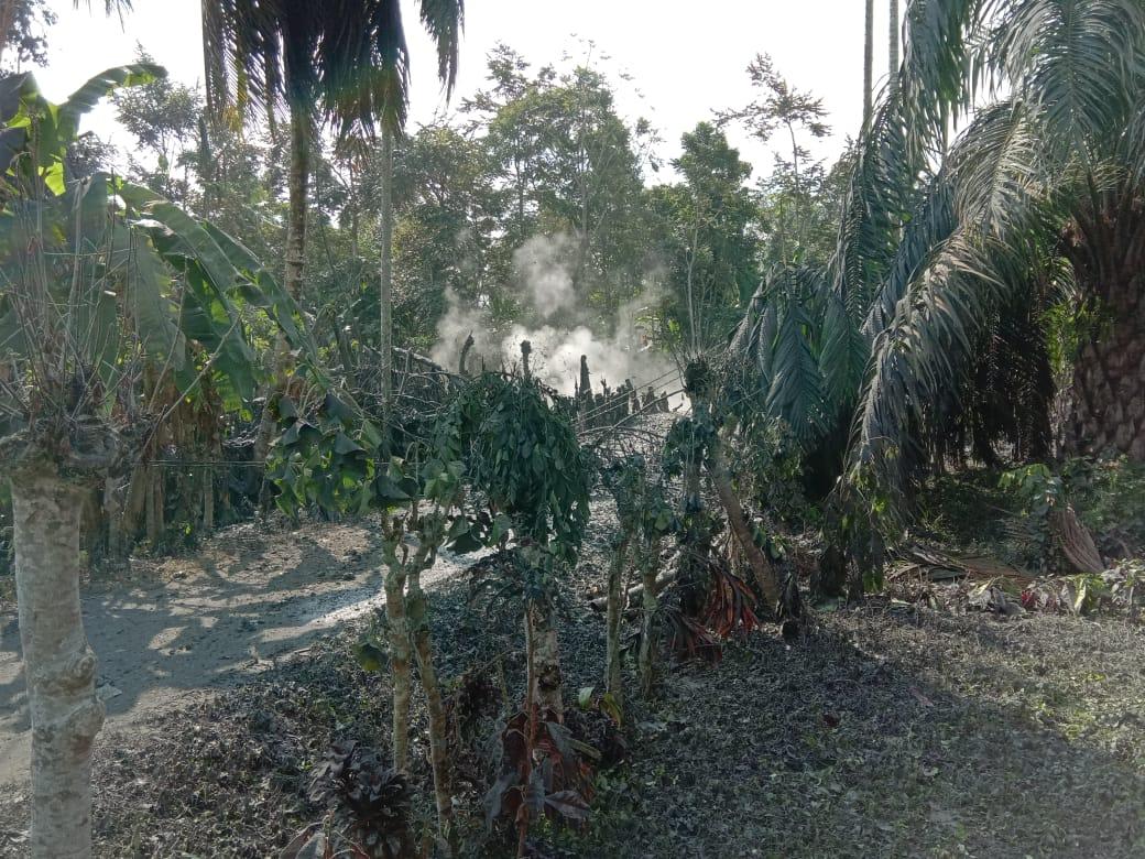 Sumur Bor Semburkan Lumpur dan GasPuluhan Meter ke Udara di Aceh Utara