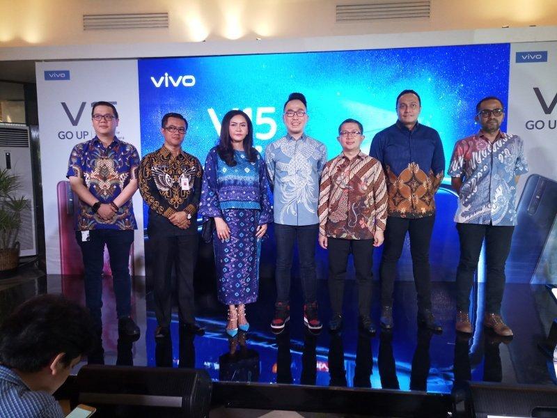 Peluncuran Vivo V15 Siapkan Panggung Terapung Terbesar di Taman Air Mancur Sri Baduga Purwakarta