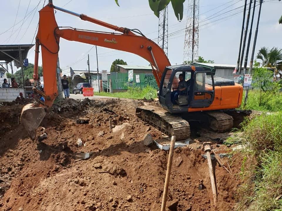 Jalan Longsor di Adiarsa Barat Mulai Diperbaiki Dinas PUPR