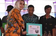 Petani Karawang dapat Bantuan Senilai Rp 1,26 dari Kementan dan KKP