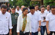 Wakil Bupati Karawang dan Menteri BUMN Akrab di Gebyar Paket Pangan Murah BUMN
