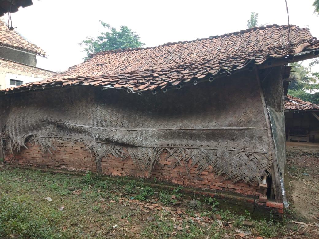 Rumah Nenek Narsih Nyaris Ambruk, Belum Ada Perhatian dari Pemkab Bekasi