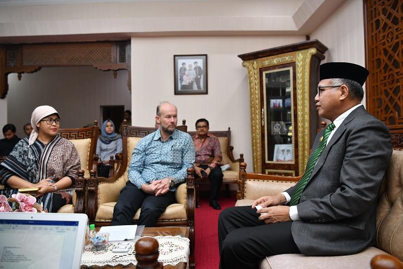 Plt Gubernur Aceh Bahas Kerjasama Pendidikan dan Kesehatan bersama Dubes Australia