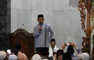 Salat Subuh di Masjid Agung, Ini Pesan Kang Emil untuk Masyarakat Karawang