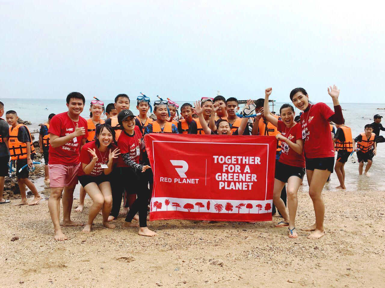 Red Planet Hotel Komitmen Pelestarian Lingkungan, Alam dan Lautan