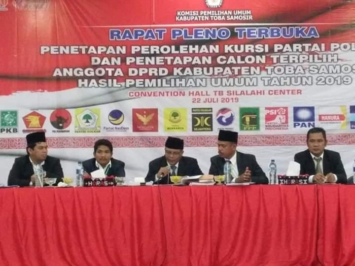 KPU Toba Samosir Tetapkan 30 Anggota DPRD Terpilih