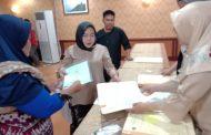 Ancam Laporkan Cellica ke Kejari, Kantor Kementerian ATR/BPN Karawang Akhirnya Membagikan Sertifikat