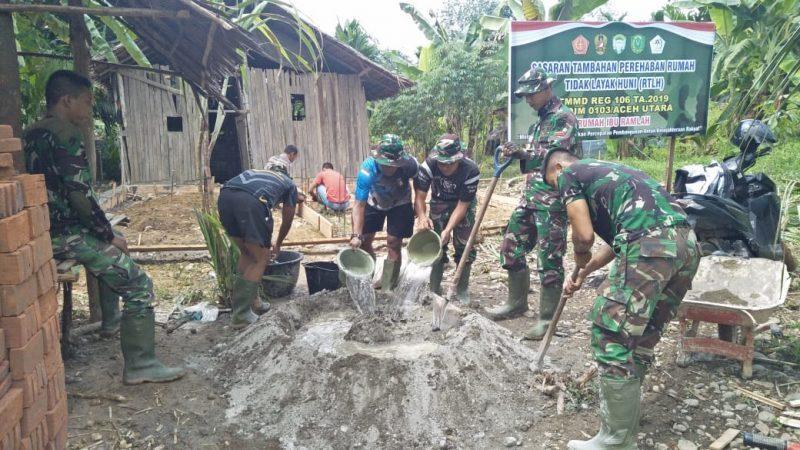 Semangat Satgas TMMD ke 106 Bantu Renovasi RTLH Warga