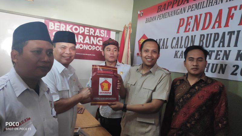 Daday Hudaya Calon Kepala Daerah Pertama Ambil Formulir Pendaftaran di Gerindra Karawang