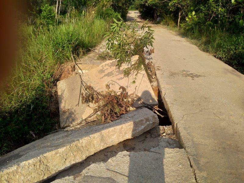 Jembatan Bruduk Penghubung Tiga Kecamatan Ambruk