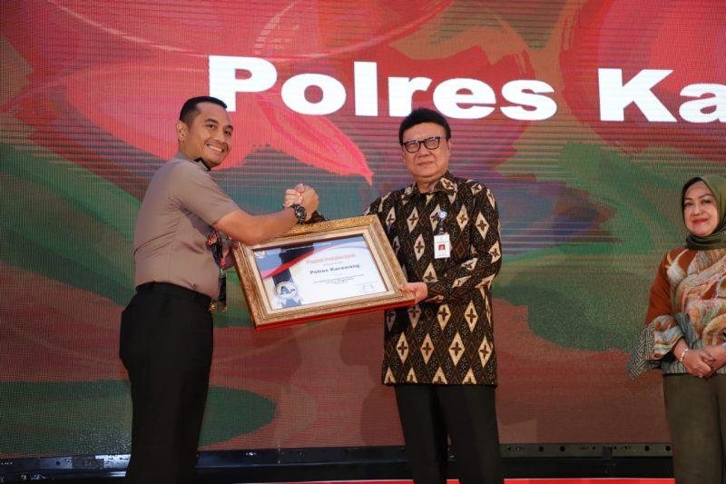 Polres Karawang Raih Sertifikat Pelayanan Publik dengan Klasifikasi Terbaik