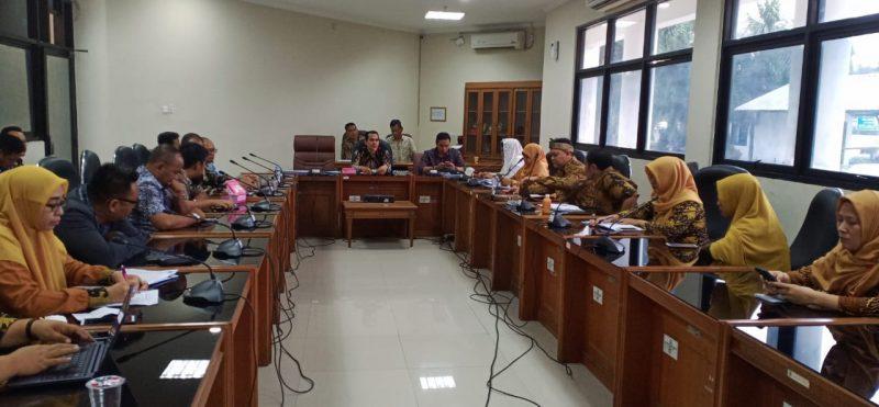 Bidan dan Dokter PTT di Karawang Tuntut Hak dan Jadi CPNS