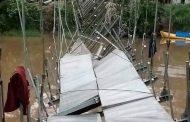 Jembatan Gantung Desa Tanjung Ria Ambruk Lumpuhkan Perekonomian Masyarakat