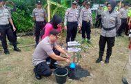 Polres Sintang Tanami 5.000 Pohon Produktif