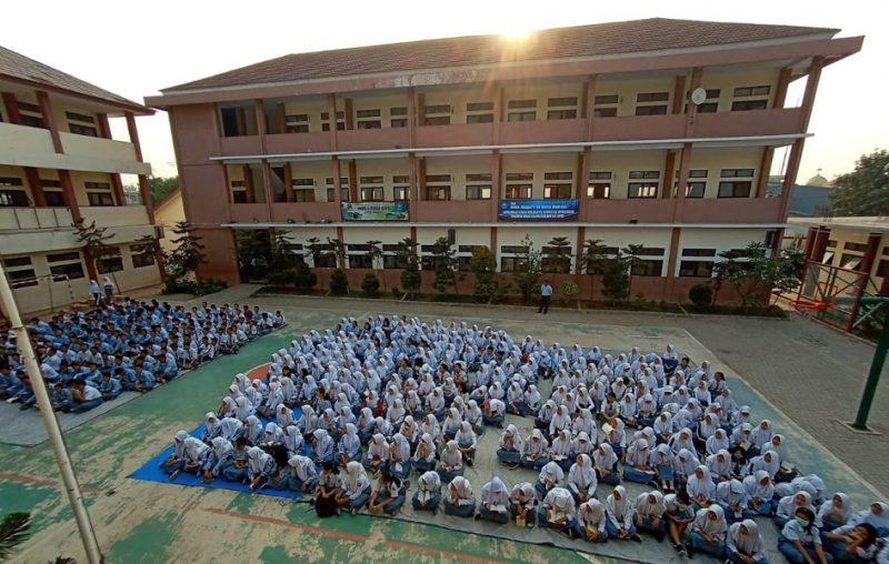 Terapkan Disiplin, Sekolah Ini Larang Siswanya Bawa HP