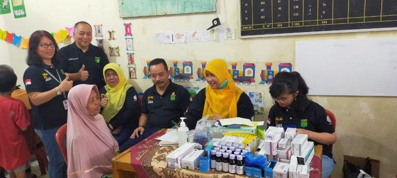 Pemeriksaan Kesehatan Gratis bagi Korban Banjir di Kayu Putih Jakarta