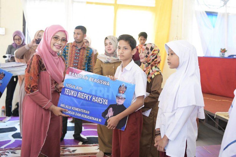 56.232 Siswa di Aceh Menerima Beasiswa PIP