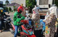 Dharma Wanita Purwakarta Sebar Ratusan Paket Sembako dan Masker