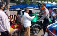 Polda Aceh dan Kodam Iskandar Muda Sebar Sembako untuk Warakawuri dan Kaum Dhuafa