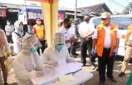 PSBB Tahap II, Walikota Tinjau Test PCR Calon Penumpang Commuter Line di Stasiun Bekasi