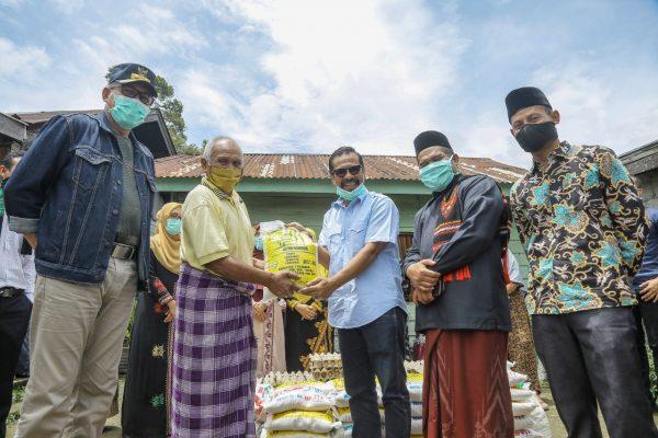 Pemprov Aceh Salurkan Sembako ke Masyarakat Terdampak Covid-19 di Bener Meriah