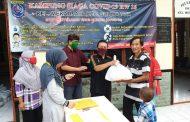 RW 016 Kelurahan Mekarjaya Bagikan Sembako kepada Warga Secara Swadaya