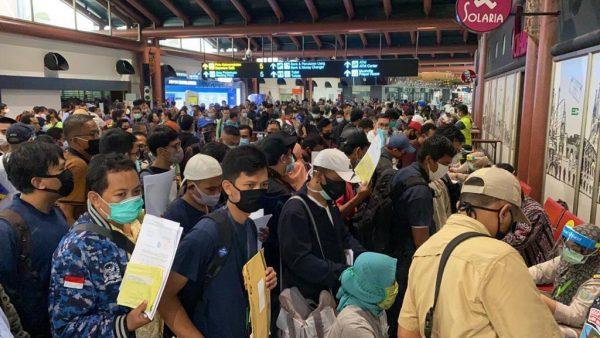 DPR RI Desak Pemerintah Hentikan Relaksasi PSBB di Bandara