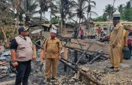 Lima Unit Rumah Kayu Ludes Terbakar Disambar Petir