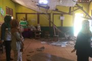 Dua Ruang Kelas SDN Sarimulya I Ambruk Diterjang Hujan Deras