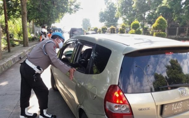 Arus Lalu Lintas Menuju Jakarta Disekat Polda Jawa Barat