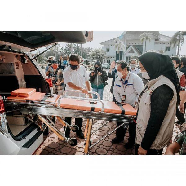 PT TMMIN Sumbangkan 3.000 APD dan 2 Unit Ambulance untuk Penanganan Covid-19
