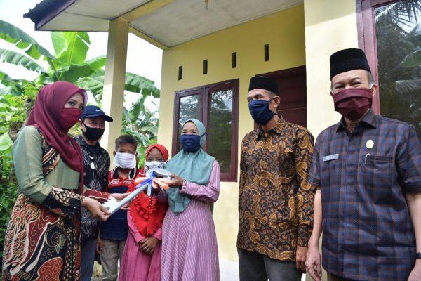 Pemprov Aceh Serahkan Rumah Bantuan untuk Warga Aceh Tamiang