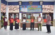 Mahasiswa UMM Jadi Relawan Posko Tanggap Covid-19 dan Terapkan Program KIE di Sampang